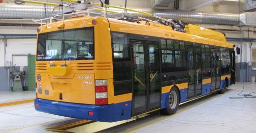 Do Zlína přivezli čtyřdveřový bateriový trolejbus