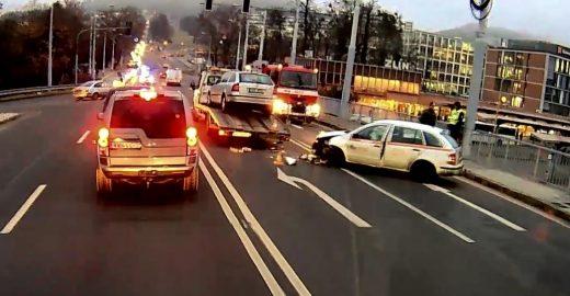 Cizí dopravní nehoda prodloužila ranní cestování do práce a do škol