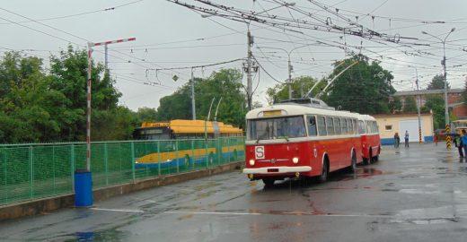 Do ulic vyjedou historická vozidla DSZO. Všechna.